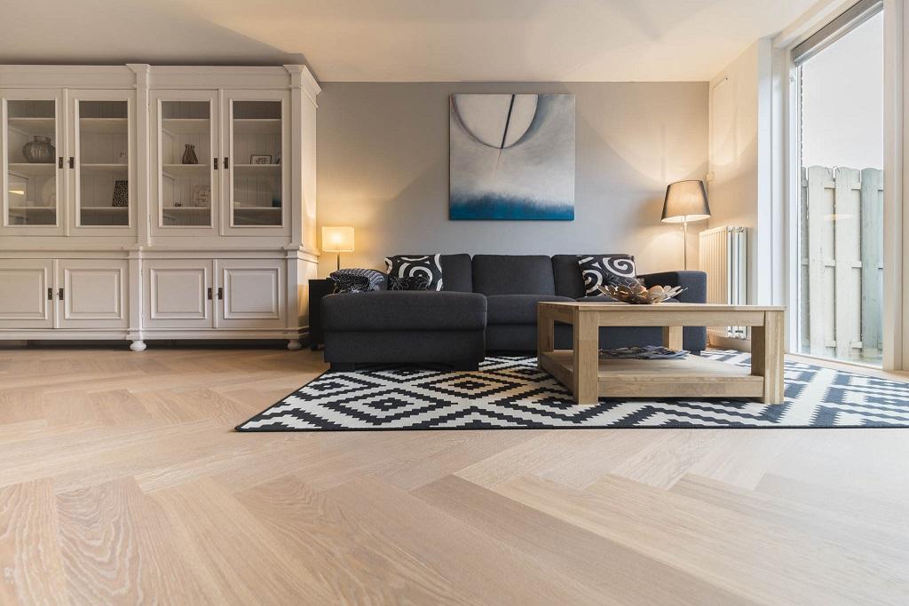 visgraat vloer woonkamer